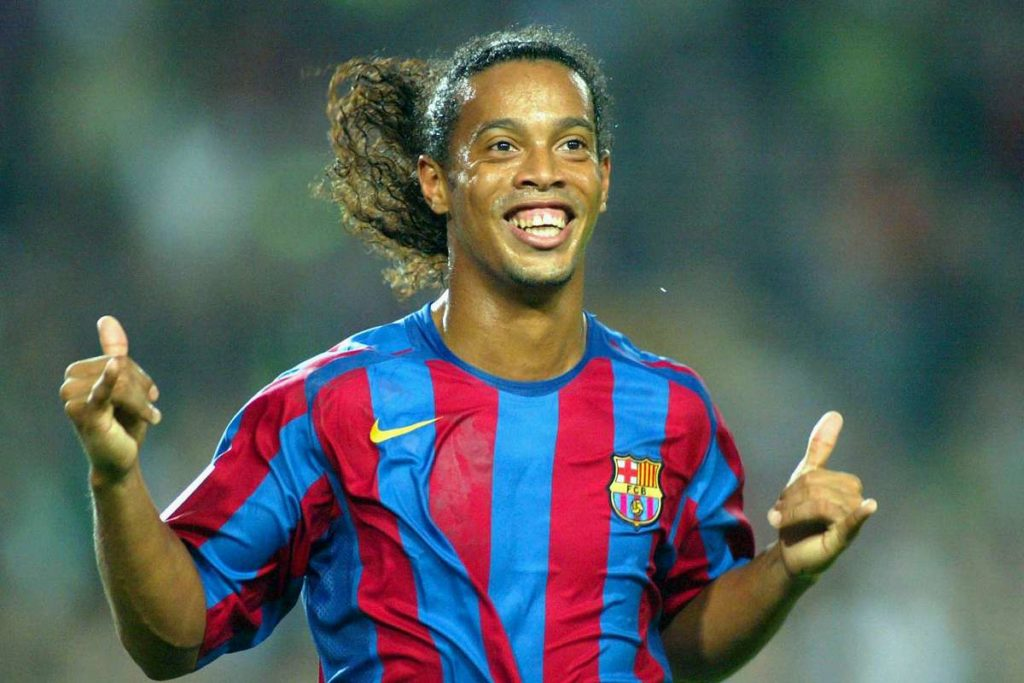ronaldinho barcelona 1slsxexo4gn5z1m0cln77mlj3h 1024x683 - Best Barcelona Players of All Time